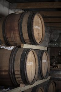 Natural fermentation of 3 barrels of Rozendal Essentia vinegar