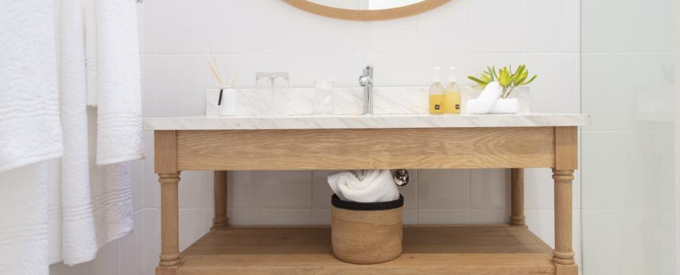 Farm House Suite bathroom